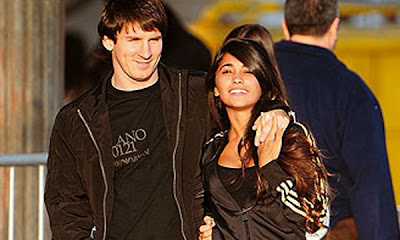 messi 2010 with girlfriend