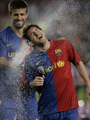 Funny Lionel Messi, Wyne shower