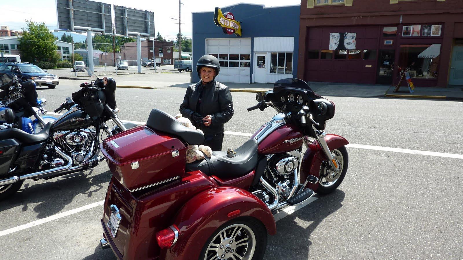 Harley Tri Glide Trike Adventure  New Trike Owner Pam