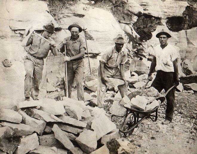 I ett stenbrott för 70 år sen