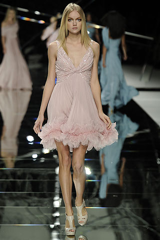 Elie Saab Pink Flutter Dress :  paris fashion week pink pink flutter dress elie saab