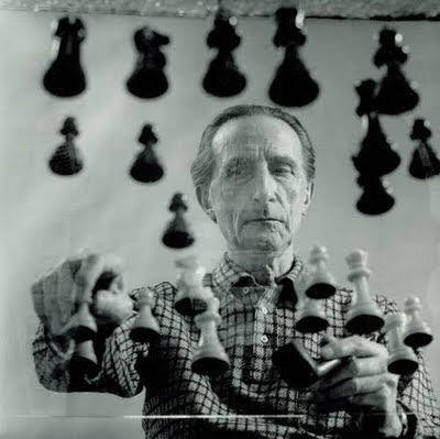 M. Duchamp employing an oblique strategy
