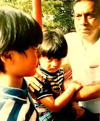 Opa Allen Haque bersama Kedua Cucu Pertamanya Bella dan Kiki di Dufan, Ancol