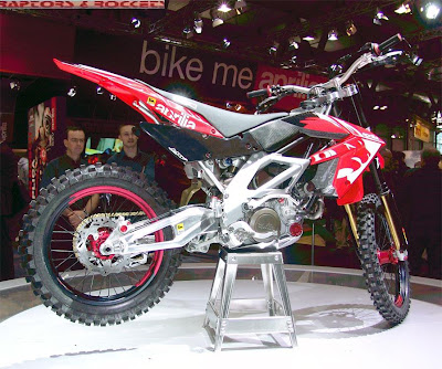 Aprilia MXV 450 pic