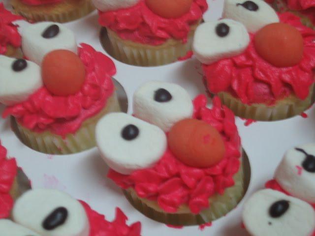 Elmo & Cookies Monster cupcakes ~