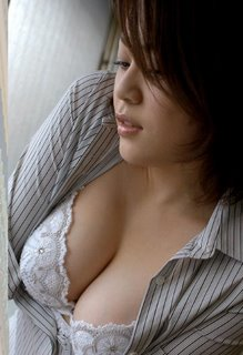 http://2.bp.blogspot.com/_B988r0-HY-M/TU1gA9IfhhI/AAAAAAAADsg/h-wTcPiO6tE/s1600/gigit+payudara.jpg