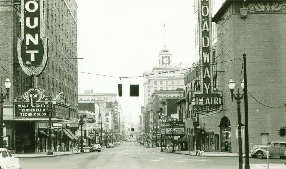 [broadway_streetscene-1950-l.jpg]