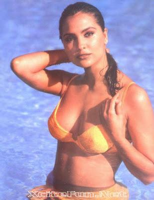 lara dutta bikini