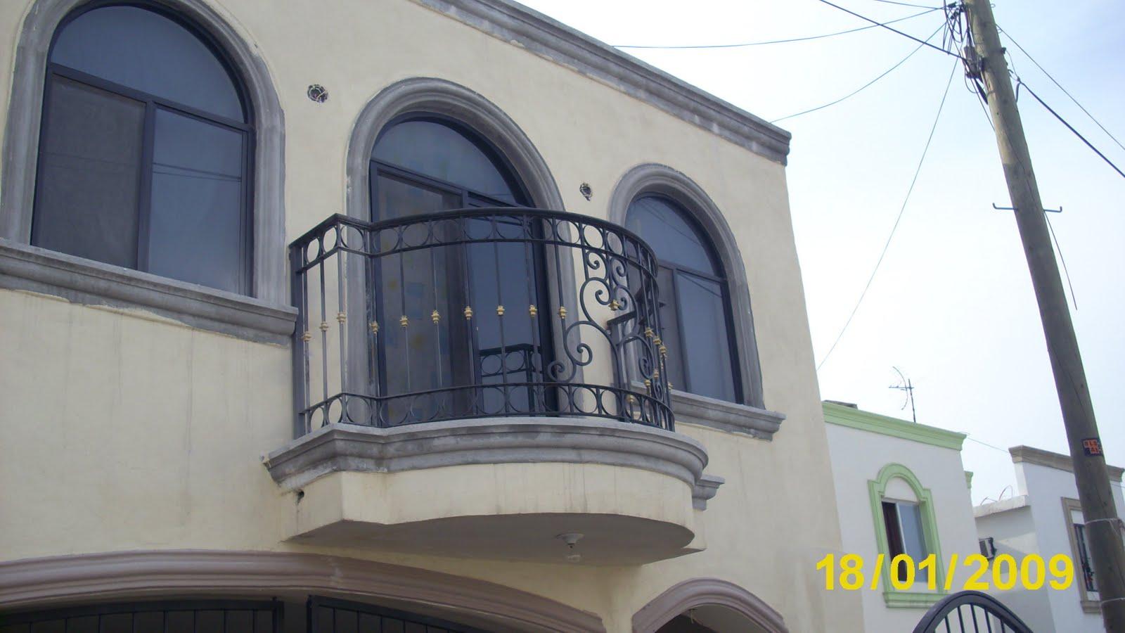 Puertas de hierro forjado barandales rejas portones - Puertas de escalera ...