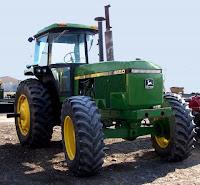 http://2.bp.blogspot.com/_BCsaeWGNwNI/SQsXE_iNWkI/AAAAAAAAoPY/iR2xJPoCD0s/s320/tractor.jpg