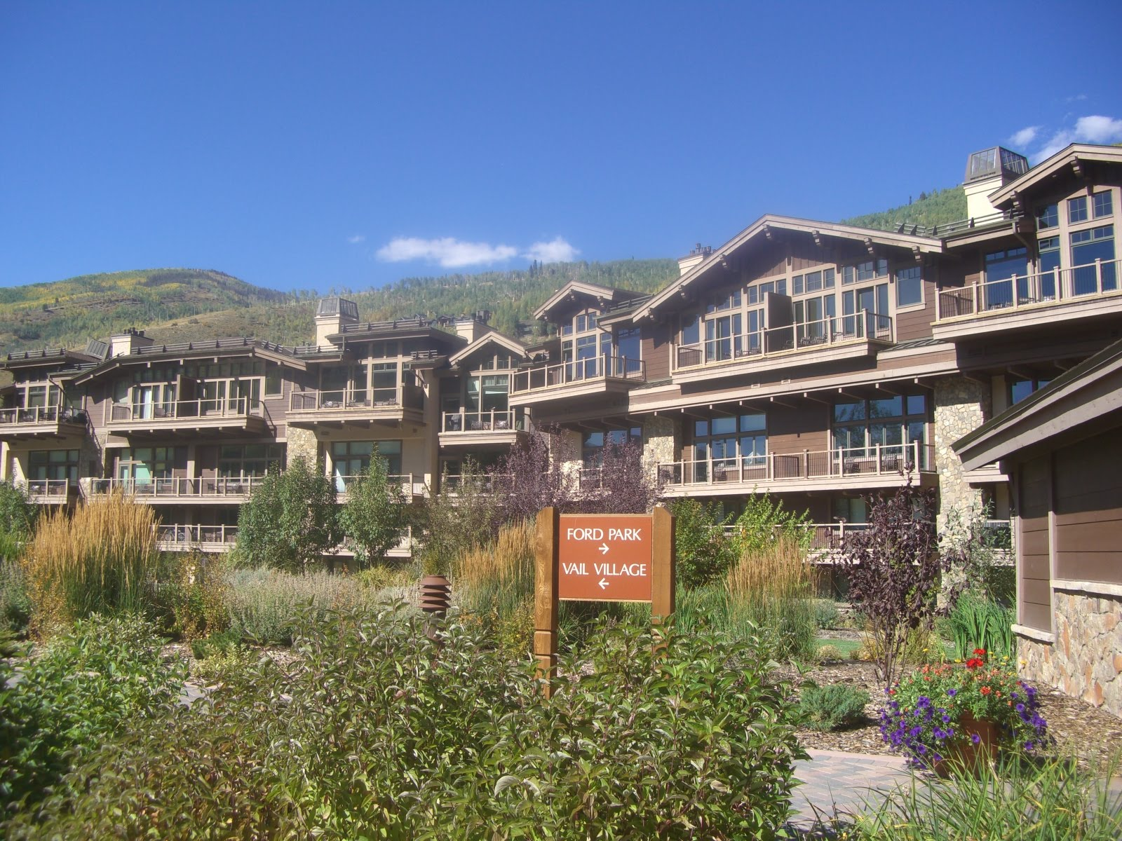 Manor Vail Colorado Ski Vacation Packages title=