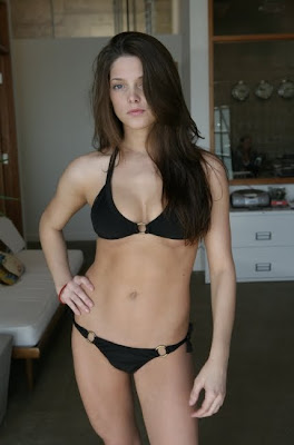 Ashley Greene's sexy Bikini Pictures
