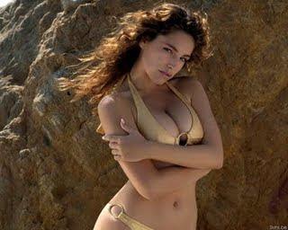 Kelly Brook in Bikinis hot bikini pics