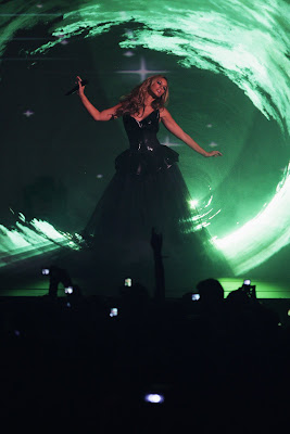 Leona Lewis Performs at MTV Europe Music Awards 2009 sexy pics