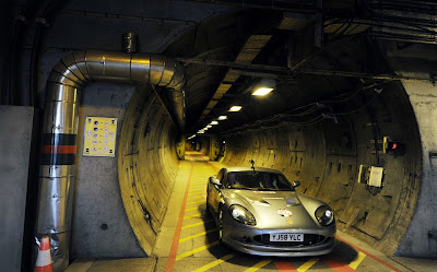 Ginetta G50EV and John Surtees at the Channel Tunnel, photos, Ginetta G50EV and John Surtees at the Channel Tunnel pictures, Ginetta G50EV and John Surtees at the Channel Tunnel images, Ginetta G50EV and John Surtees at the Channel Tunnel