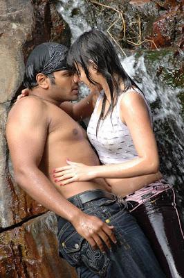 Sneha Ullal hot photos, Sneha Ullal images, Sneha Ullal sexy swimming photoshoot, Sneha Ullal hot and sery pictures, Sneha Ullal