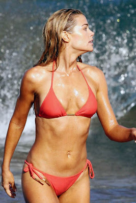 Denise Richards hot bikini pics