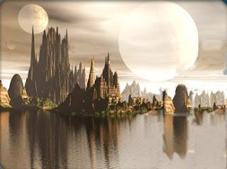 Hermoso Exo-planeta de oceano tranquilo con un cielo con 3 lunas de plata