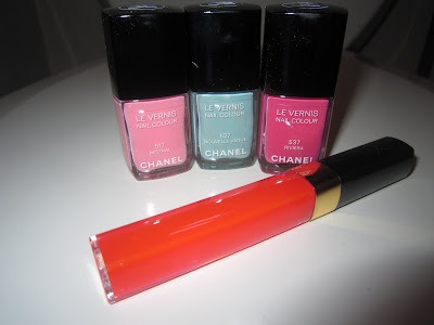 Chanel, Chanel nail polish, Chanel Le Vernis Nail Colour, Chanel Le Vernis Nail Colour Mistral, Chanel Le Vernis Nail Colour Nouvelle Vague, Chanel Le Vernis Nail Colour Riviera, Chanel lipgloss, Chanel lip gloss, Chanel Brilliant Lip Shine, Chanel Brilliant Lip Shine Pop, lip, lips, lipgloss, lip gloss, gloss, nail, nails, nail polish, polish