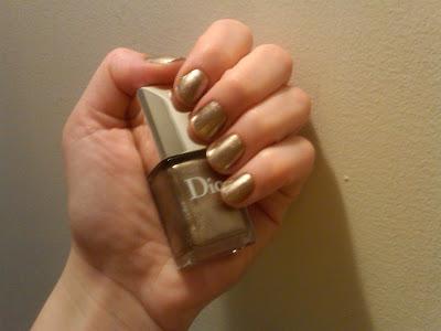 Dior, Dior Vernis, Dior Vernis Nail Enamel, Dior Vernis Nail Enamel Timeless Gold, Dior Vernis Nail Polish, Dior Timeless Gold, Dior nail polish, nail, nails, nail polish, polish, nail enamel, enamel, lacquer, nail lacquer, gold nails, gold nail polish