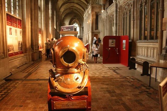 exposicion-en-la-catedral-de-winchester