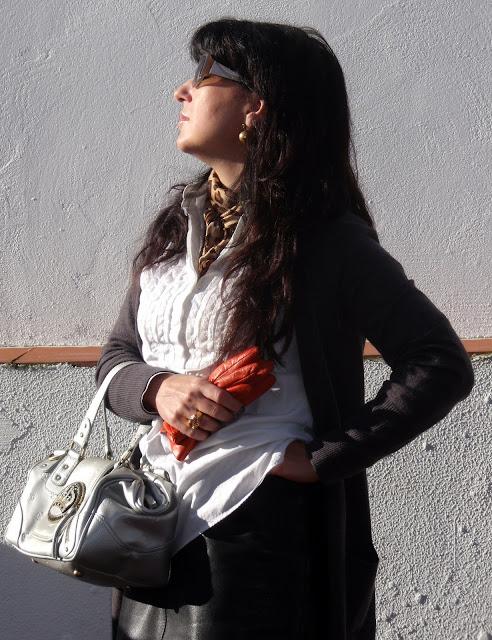 outfit-con-falda-de-el-templo-de-susu