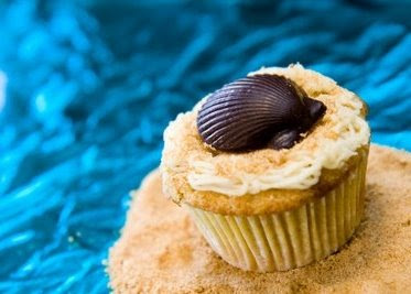 Beach Cupcake - Chocolate Shell