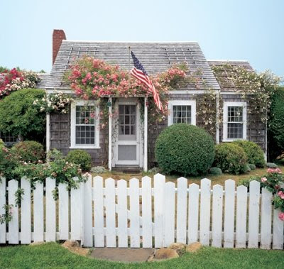 Nantucket Houses Dressed In Roses Completely Coastal
