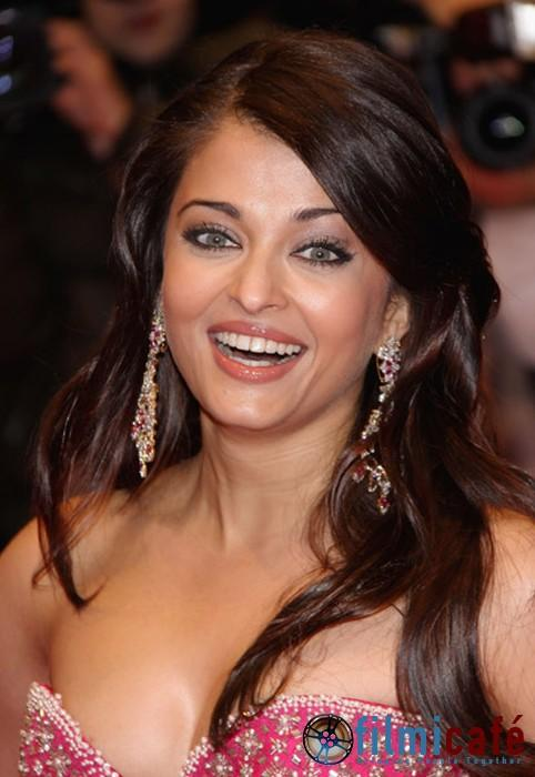 Aishwarya Rai Latest Hairstyles, Long Hairstyle 2011, Hairstyle 2011, New Long Hairstyle 2011, Celebrity Long Hairstyles 2313