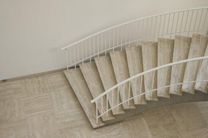 [700+Stairs.jpg]