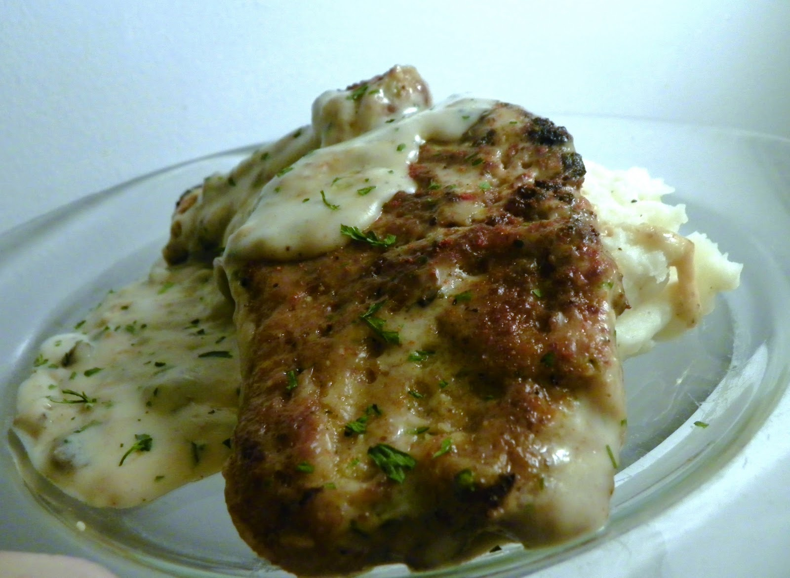 Pork+Chops+in+Creamy+Mushroom+Sauce.JPG