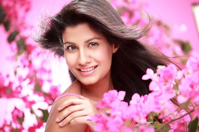 sreya danwavtri glamour  images