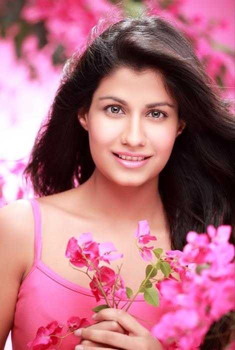sreya danwavtri cute stills