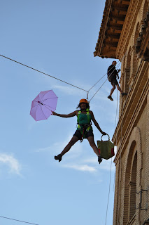 Mary Poppins surcando el cielo