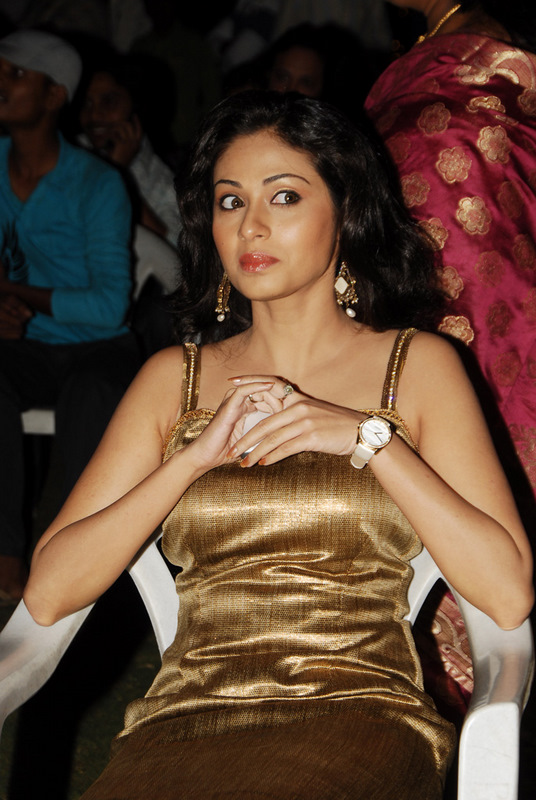 Sada in golden dress - Sada Latest Pics in golden Dress at Event