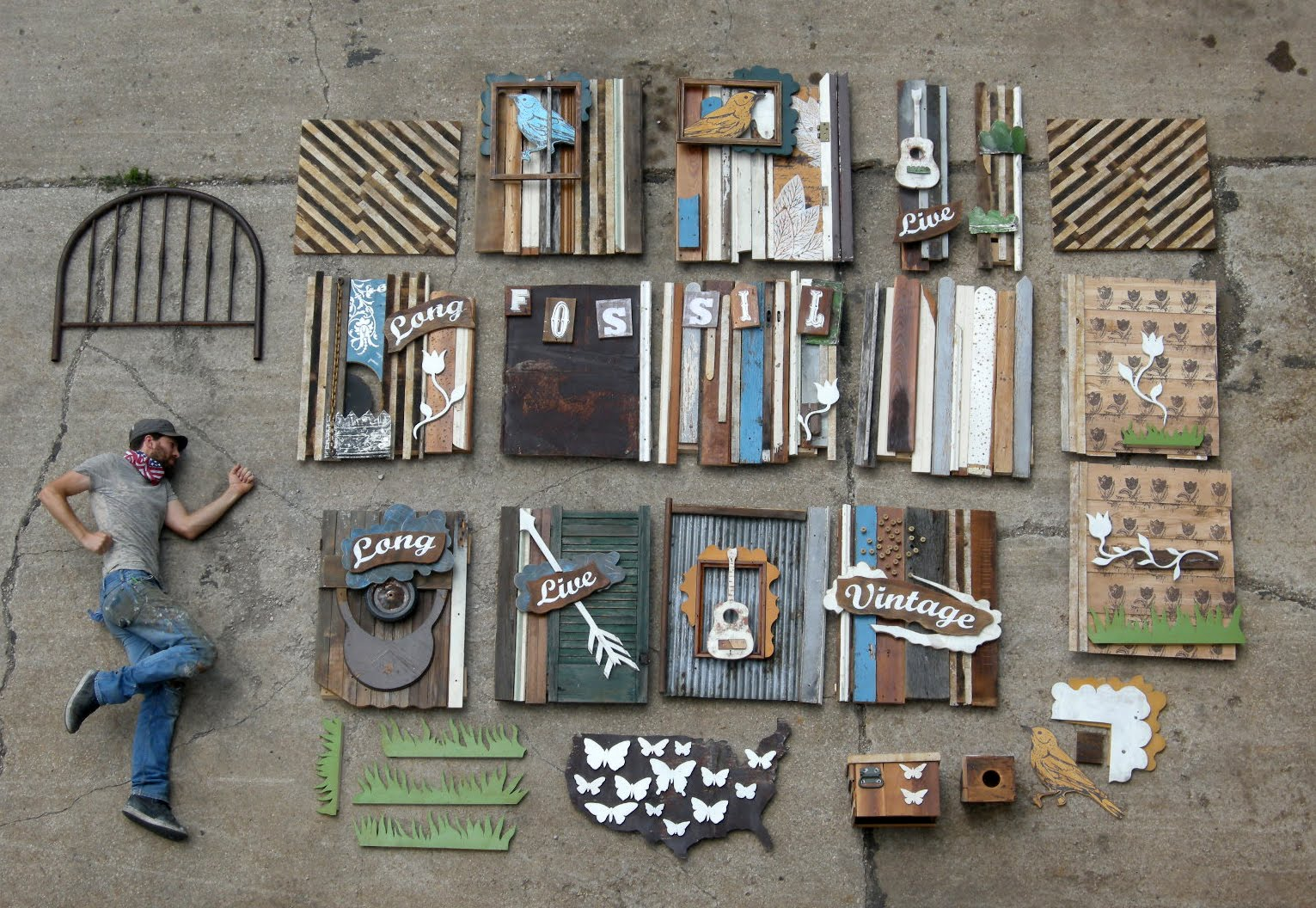 http://2.bp.blogspot.com/_BMnG7Fc4iIM/TEjBB9jkqJI/AAAAAAAACoc/yEuStNc2-J4/s1600/Dallas+Window+Display+Materials+with+Dolan.jpg