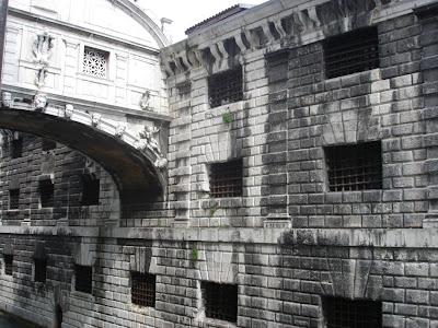 Мост Вздохов и тюрьма Карчери