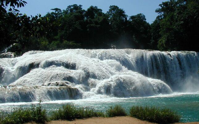 Las cascadas de agua azul for Cascadas de agua