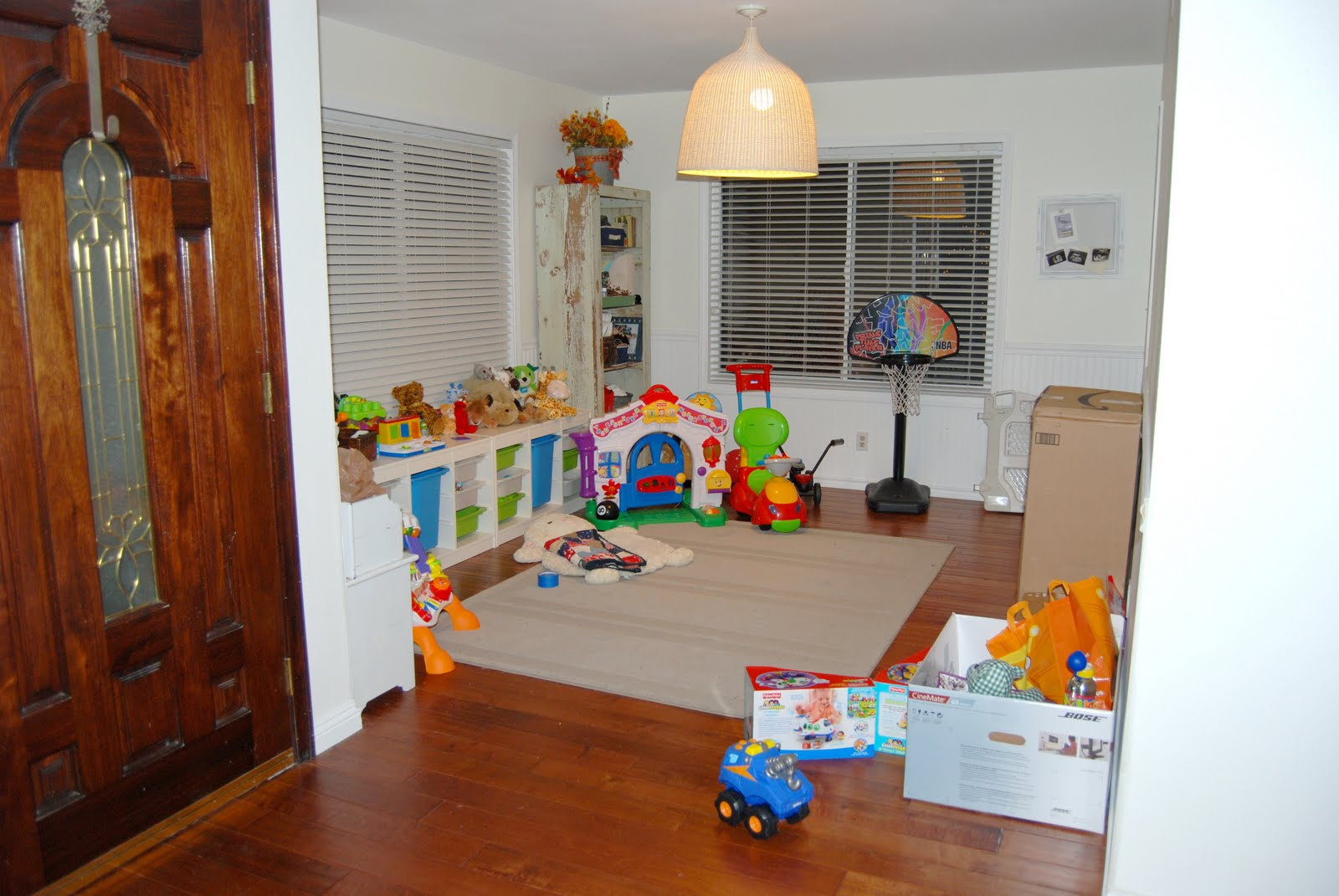 Room With All Appliances Lounge Dining Room Playroom Study Plus Games Images