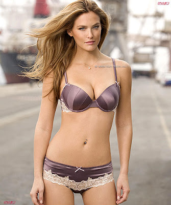 Bar Refaeli's Under Fashion Photo Shoot