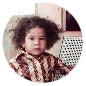 Wallpaper World: Sachin Tendulkar's Photo Biography