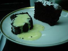 Marquise de chocolate al horno con crema inglesa