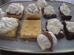 Cuadraditos de queso, y de miel con crema