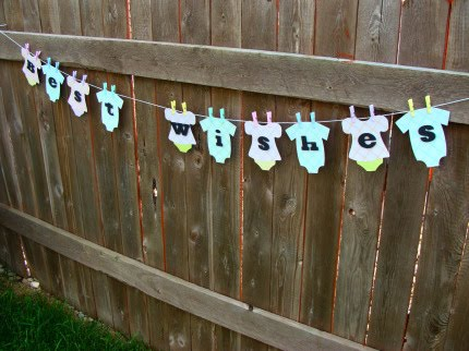 Clothesline baby shower theme party invitations ideas for Baby shower clothesline decoration