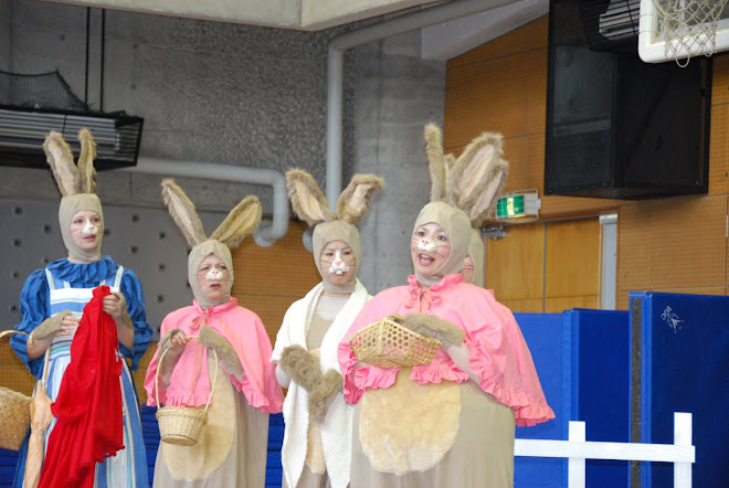 "Sping Traveling Show ""The Tale of Peter Rabbit and Benjamin Bunny"""