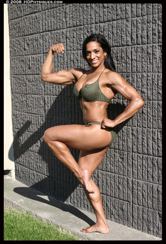 Nadya Castellas Female Muscle Bodybuilding Bicep Legs HDPhysiques