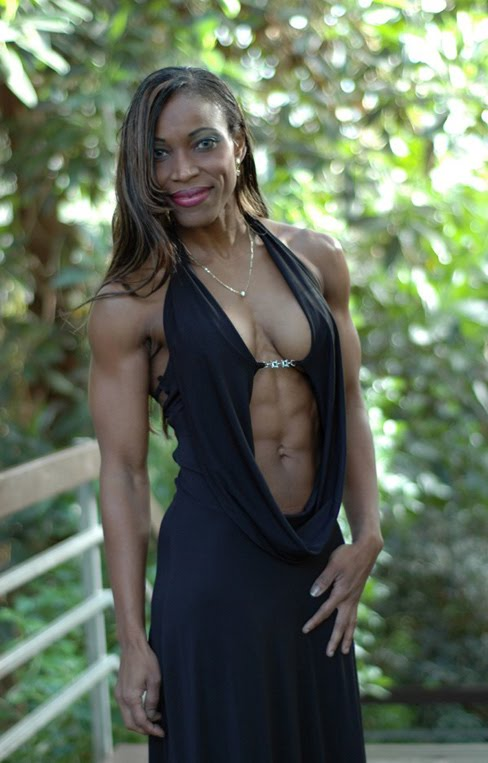 Lisandra Chacon Female Muscle Abs