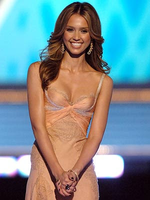 jessica alba body measurements