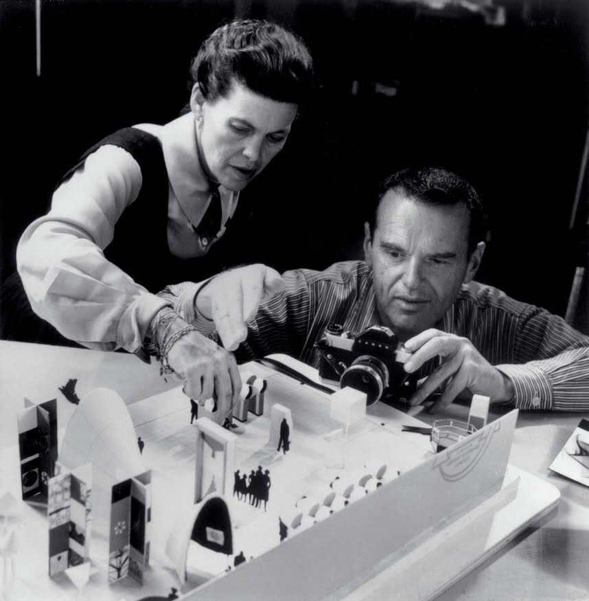 hablemos un poco de todo muebles de arquitecto charles y ray eames. Black Bedroom Furniture Sets. Home Design Ideas