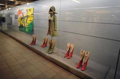 Crocodile costume rental